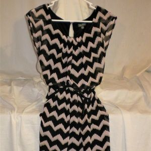 Lily Rose Black and Beige Chevron Dress w/ belt